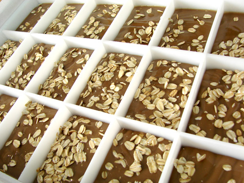 Learn how to make oatmeal stout cold process soap in this tutorial!