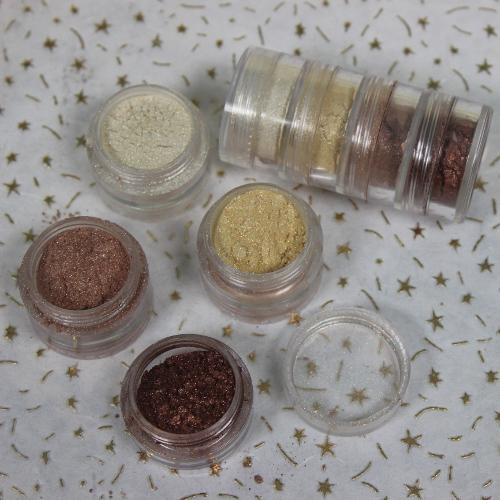12 Days of Christmas: Glamorous Gold Eye Shadow Quad